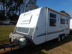 2002 Paramount Caravan S/N 1542